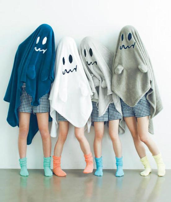 Faça você mesmo a fantasia de fantasma para o Halloween.